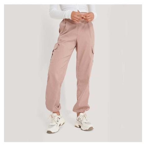 Růžové Cargo kalhoty NA-KD