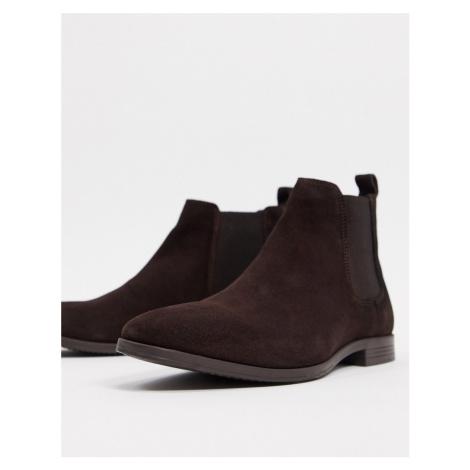Burton Menswear suede chelsea boots in brown