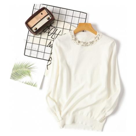 Elegantní dámský svetr s kamínky u vystříhu