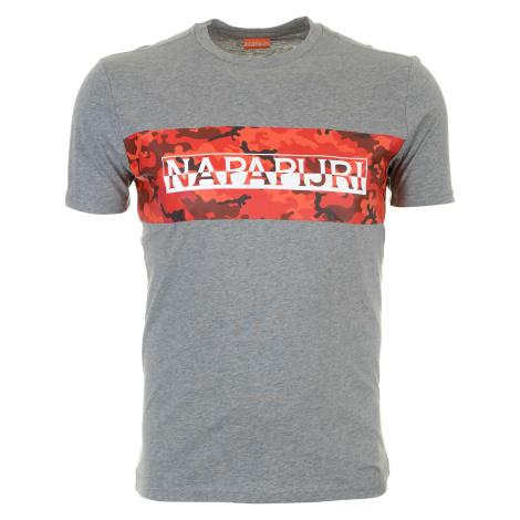 Pánské světle šedé tričko Napapijri s maskáčovým pruhem