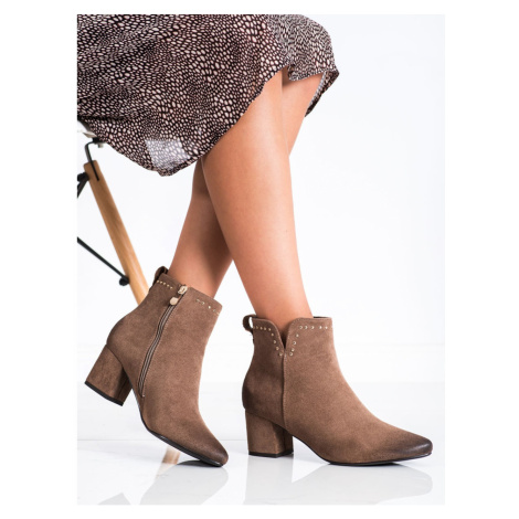 ANKLE BOOTS ON A LOW VINCEZA POST