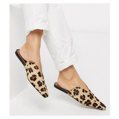 ASOS DESIGN Wide Fit Landing leather mules in leopard-Multi