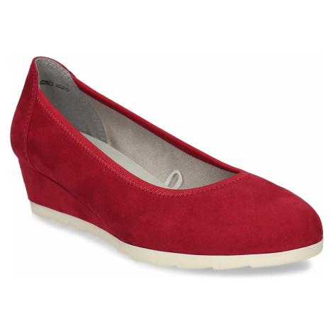 Červené dámské lodičky na klínku Baťa