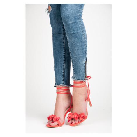 Vázané červené sandály s kytičkami Vices