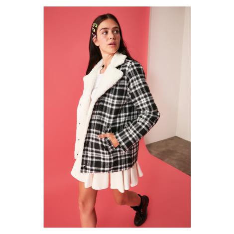 Women's coat Trendyol Detailed