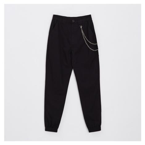 Cropp - Kalhoty joggers high waist s řetízkem - Černý