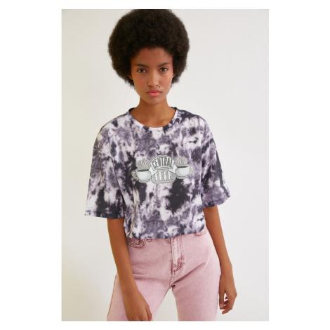 Trendyol Black Friends Licensed Batik Printed Loose Knitted T-Shirt