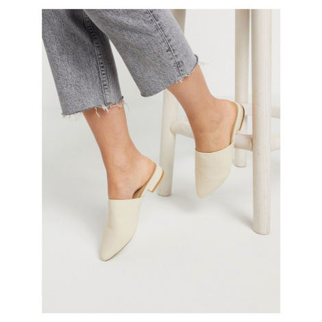 Truffle Collection flat mules in beige croc