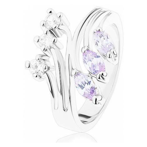 Prsten s lesklými rozvětvenými rameny, čiré a světle fialové zirkony