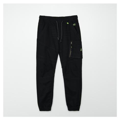 Cropp - Džínové kalhoty cargo joggers - Černý