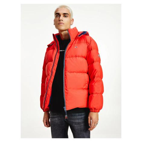 Tommy Jeans pánská červená zimní bunda Tommy Hilfiger