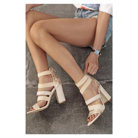 Béžové sandály na hrubém podpatku Alyssa Erynn