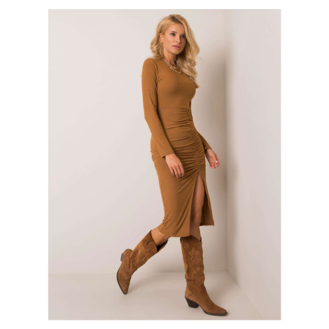 Light brown fitted dress with a slit Fashionhunters