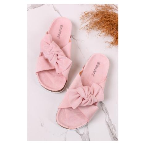 Světle růžové semišové nízké pantofle Angelle Ideal