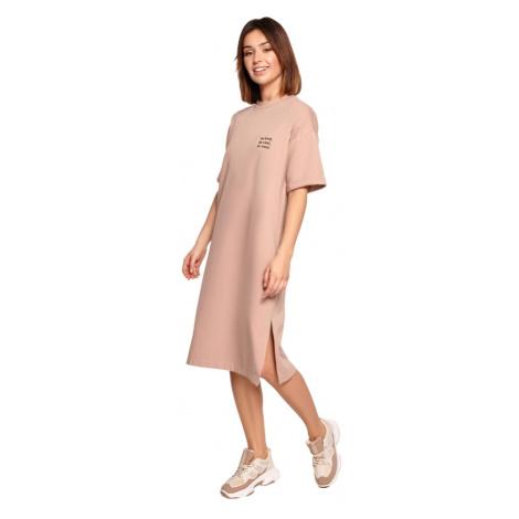 Oversize trikové šaty s volným střihem a rozparkem BE B194 BeWear