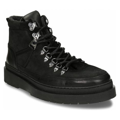 Černá pánská kožená kotníková obuv na vyšší podešvi Baťa