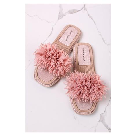 Růžové nízké semišové pantofle Karisa Ideal