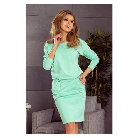 Dámské teplákové šaty v mátové barvě s výstřihem na zádech model 5917732 NUMOCO