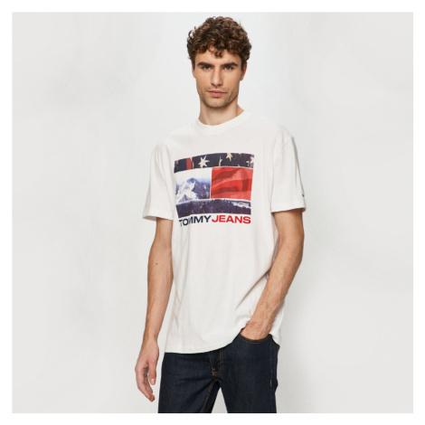 Tommy Jeans pánské bílé tričko Graphic Tee Tommy Hilfiger