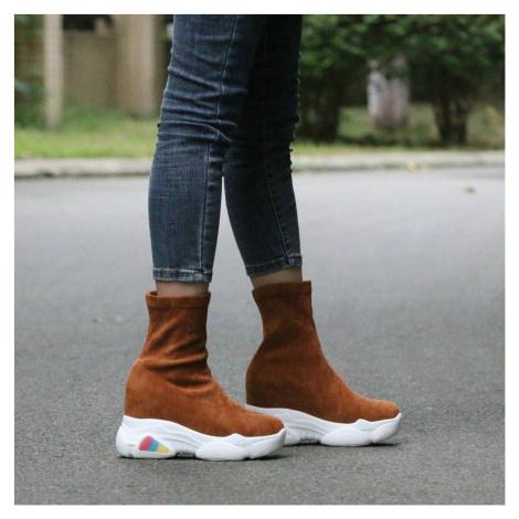 Elastické kozačky na vysoké podrážce semišové boty na platformě