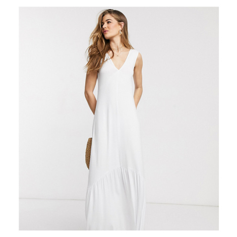 ASOS DESIGN Tall Exclusive v neck maxi dress with full pep hem in white