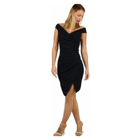 Krátké společenské šaty s odhalenými rameny