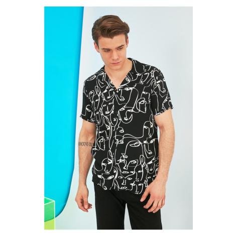 Trendyol Black Men's Regular Fit Apaş Collar Short Sleeve Shirt
