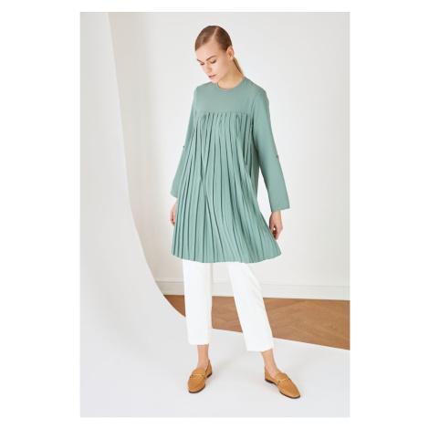 Trendyol Green Crew Neck Pleated Tunic Dress