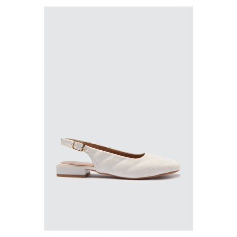 Trendyol White Quilted Women's Flat Shoe