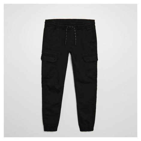 Cropp - Kalhoty jogger cargo - Černý