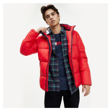 Tommy Jeans pánská červená zimní bunda Essential Tommy Hilfiger
