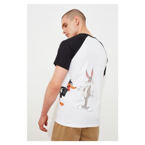 Trendyol White Men's Regular Fit Licensed Looney Tunes Printed Crew Neck Short Sleeve T-Shirt