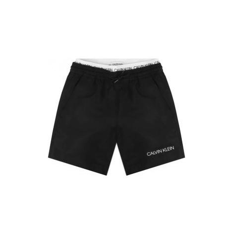 Calvin Klein Swimwear Plavecké šortky Medium Double Waistband B70B700231 Černá Regular Fit