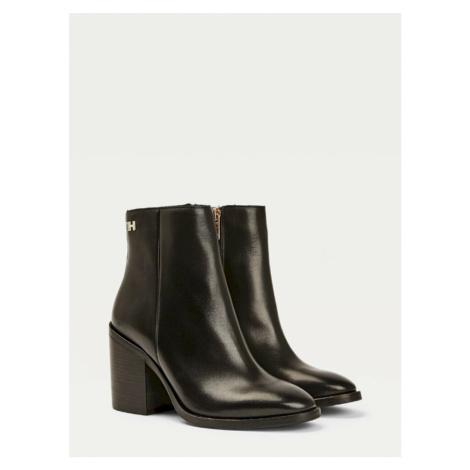 Tommy Hilfiger dámské černé boty na podpatku