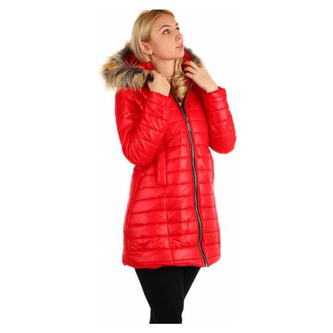 Dlouhá dámská prošívaná bunda s kožešinovou kapucí