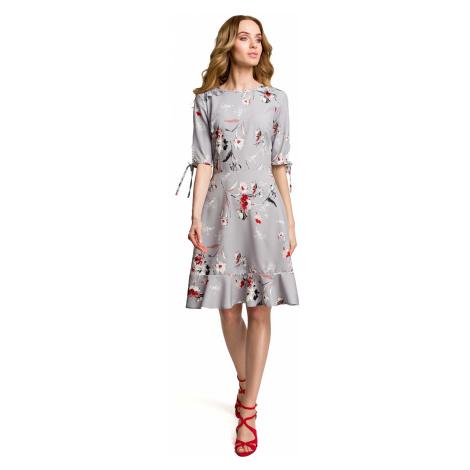 Letní Květované šedé šaty s volánky a lodičkovým výstřihem