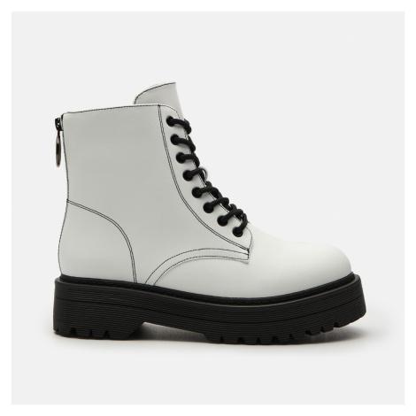 Cropp - Dámské kotníkové boty na podpatku - Bílá