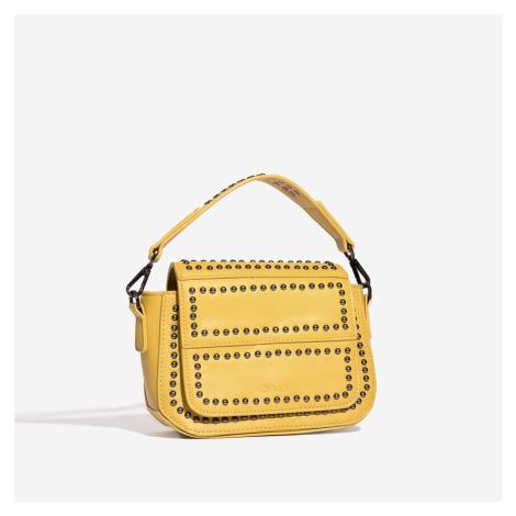 Žlutá kabelka se cvočky Nali