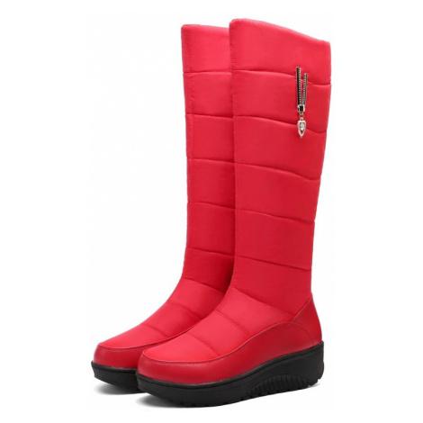 Sněhové kozačky zimní boty s peřím červené sněhule s přívěskem