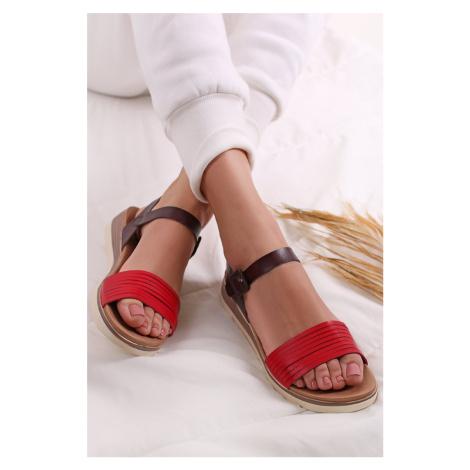 Červeno-černé platformové sandály 49846 Xti