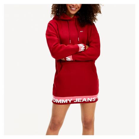 Tommy Hilfiger Tommy Jeans dámská červená dlouhá mikina s kapucí TJW BRANDED HEM SWEAT DRESS