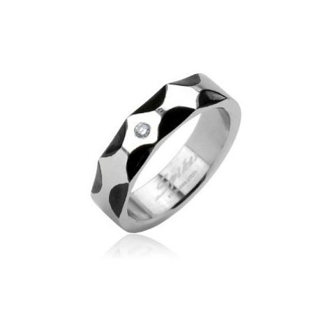 Ocelový prsten - vzor vlny, zirkon ve středu Šperky eshop