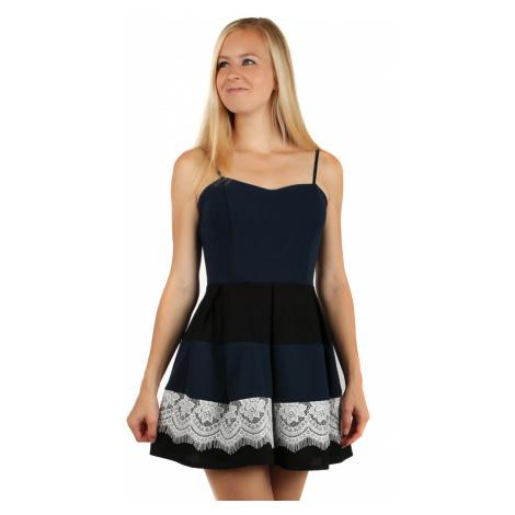 Večerní šaty s krajkou na sukni