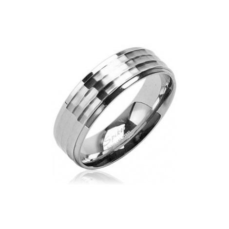 Snubní prsten z chirurgické oceli s matným středovým pruhem a lesklým okrajem Šperky eshop