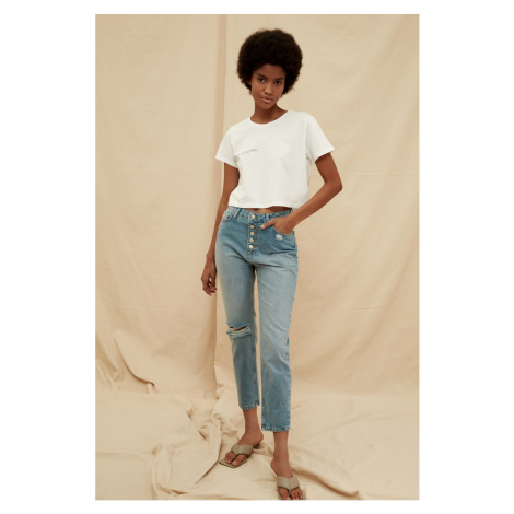 Trendyol Blue Front ButtonEd Ripped Detail High Waist 100% Organic Cotton Mom Jeans