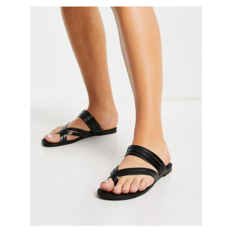 Vagabond Tia strappy leather flat sandals in black