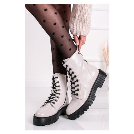 Bílé lakované kotníkové šněrovací boty 43046 Xti