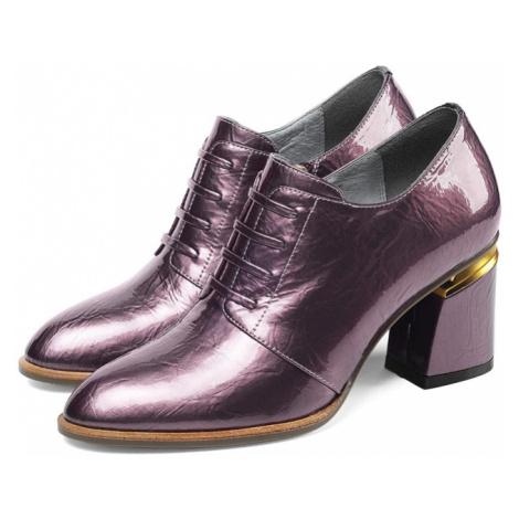 Lakované polobotky kožené elegantní boty lesklé na podpatku