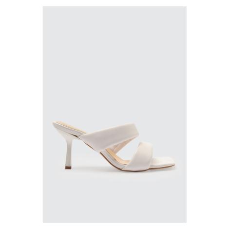 Trendyol White Blunt Nose Women's Slippers