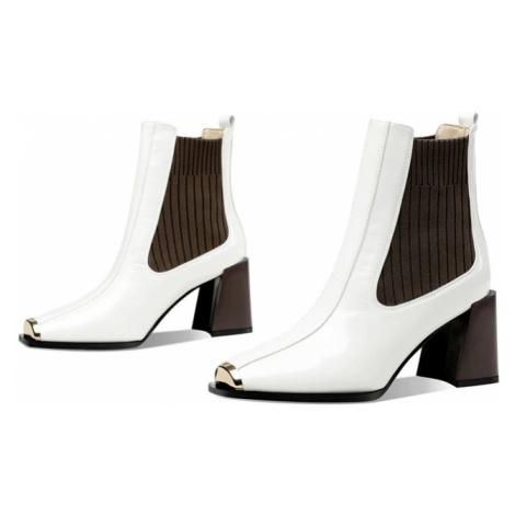Lakované boty kožené chelsea boots na asymetrickém podpatku